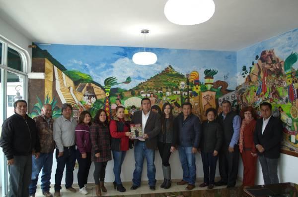 El trabajar en equipo consolida el desarrollo del municipio: Rivera Mora