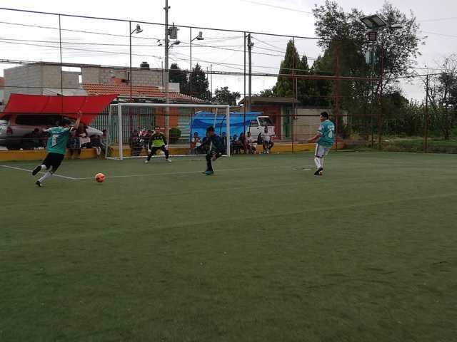 Felicita Gobierno Municipal a campeones de la liga de Fútbol 6 de Xicohtzinco