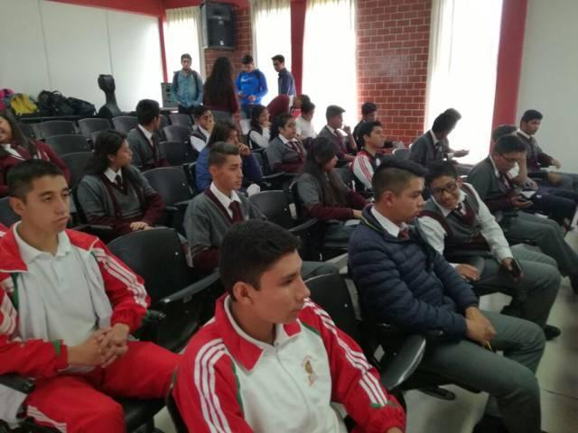 135 jóvenes tlaxcaltecas participan en Olimpiada de Física