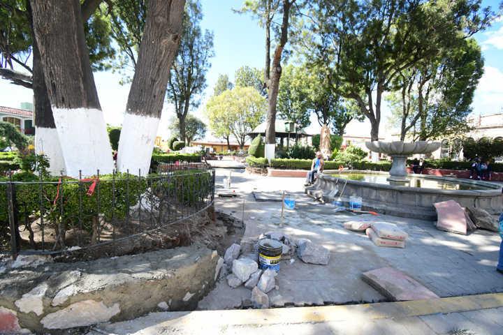 Inicia Tlaxco remodelación de Parque Del Centro Historico