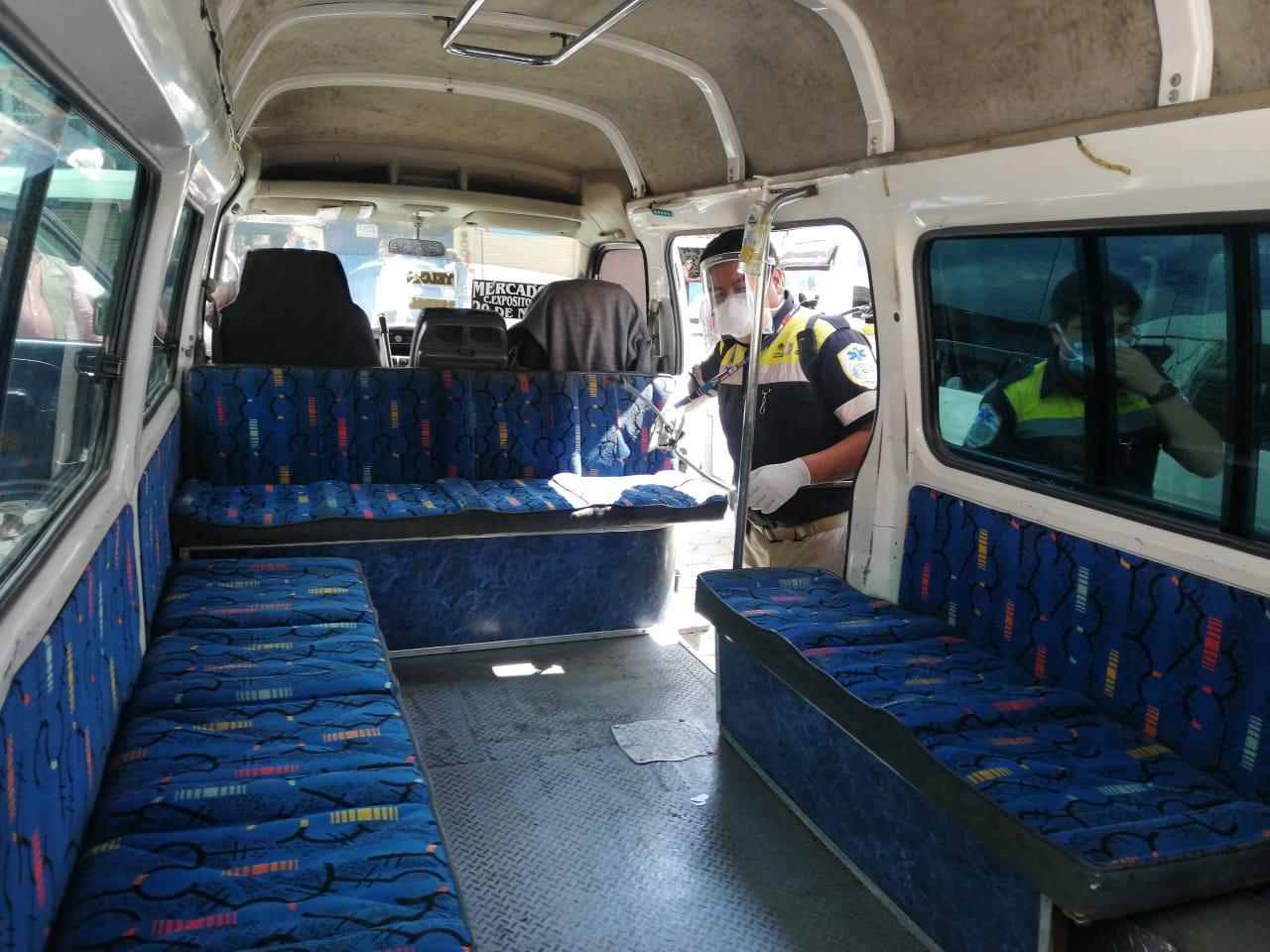 Garantizan transporte seguro con jornadas de sanitización en transporte público en Totolac