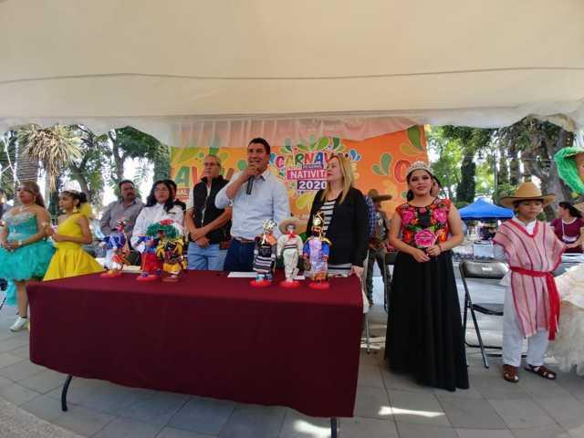 Oscar Murias impulsa tradiciones de Nativitas con apoyo al carnaval