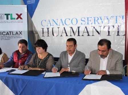 Icatlax y Canaco de Huamantla promoverán formación laboral