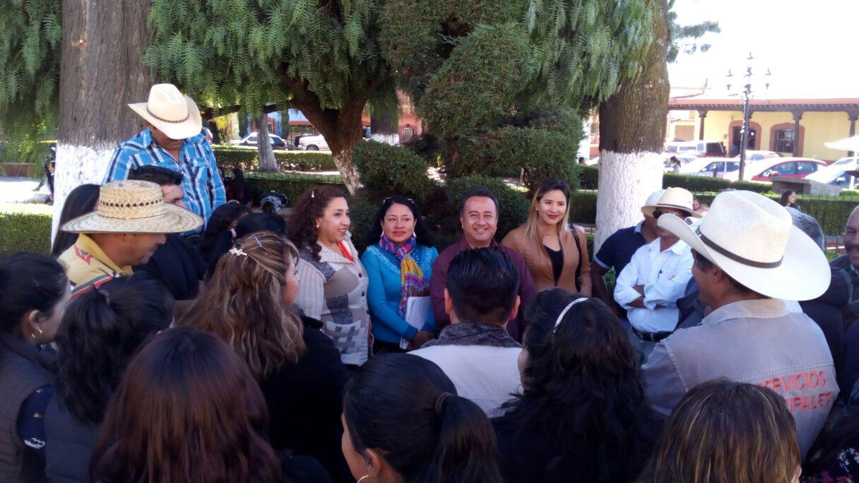 Protestan agremiados del 7 de Mayo por adeudo de lasprestaciones en Tlaxco