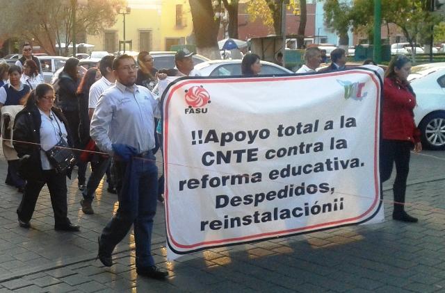 Se manifiestan en Tlaxcala vs gasolinazo