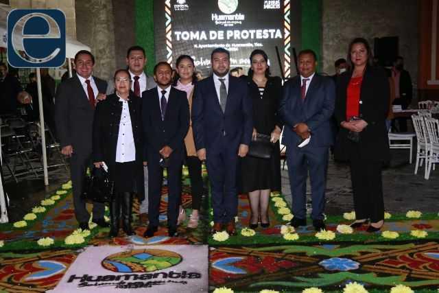Salvador Santos asumió la alcaldía de Huamantla en los primeros minutos hoy