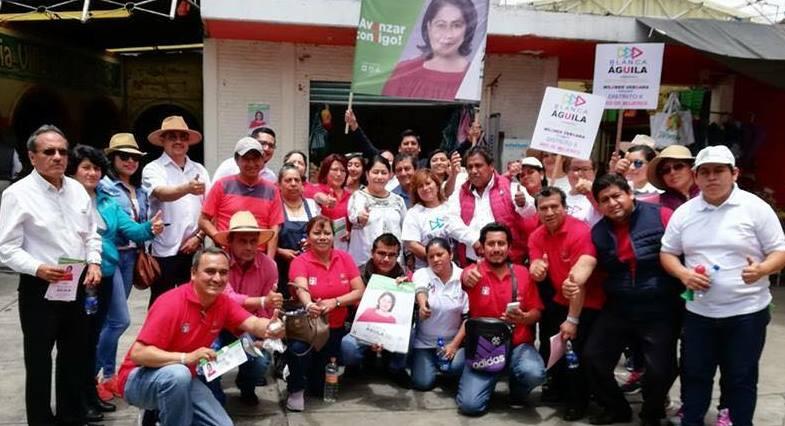 Lideresa sindical en campaña y agremiados se alborotan