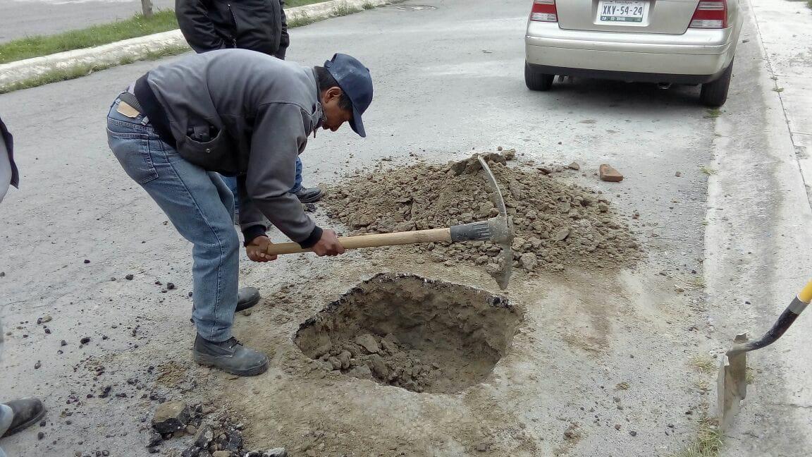 Ayuntamiento de Tzompantepec atiende y repara fugas de agua
