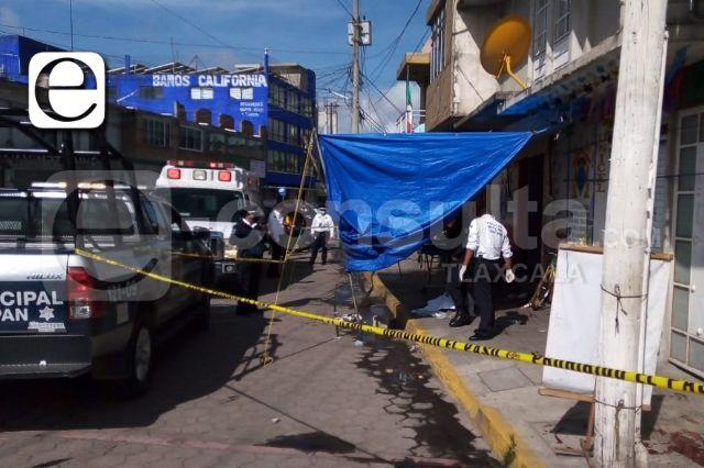 Presunto ladrón en su huida se desangra y muere en la vía pública en Chiautempan
