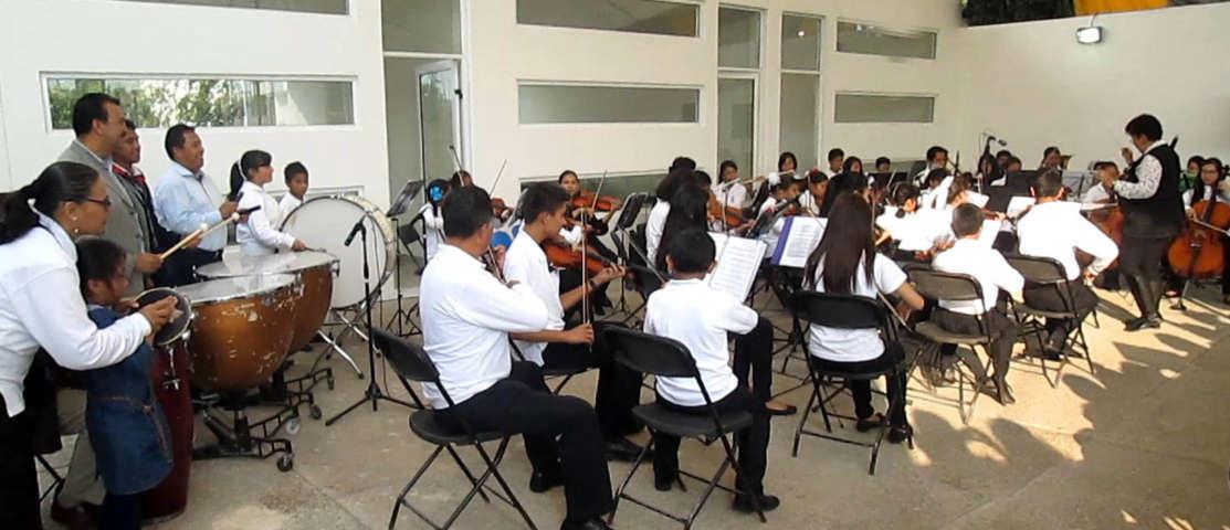 """Armoniza la Orquesta Sinfónica Infantil a """"La Casa de Piedra"""" con sus notas musicales"""