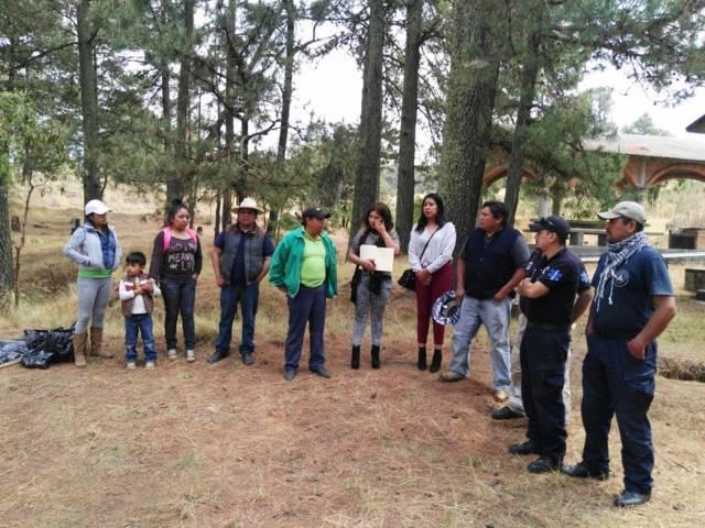 Ayuntamiento de Chiautempan limpia jagüey en San Pedro Tlalcuapan