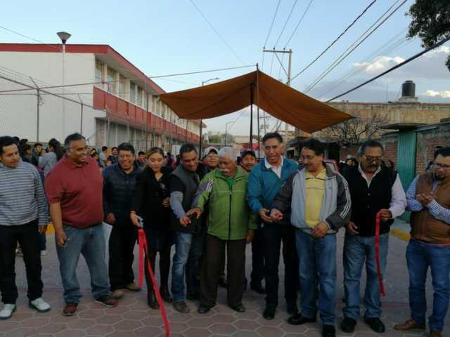 Herrera Xicohténcatl lleva obra pública a lugares olvidados