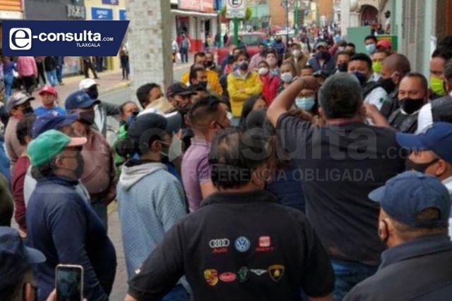 Panteón de Muñoztla desata violencia en Chiautempan, hay heridos