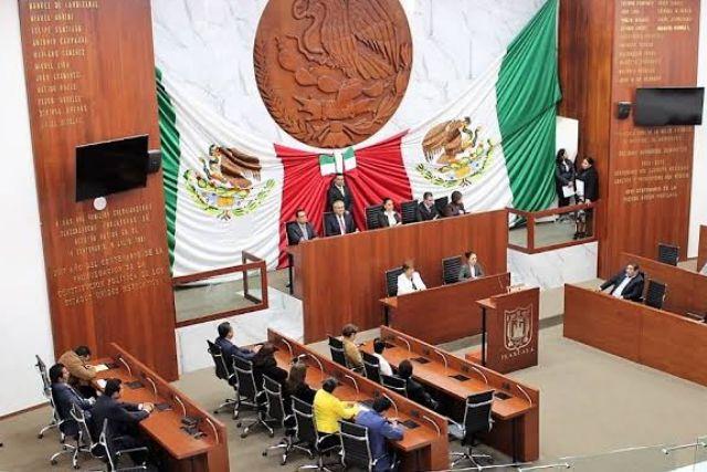 Denuncian a diputados transas en Fiscalía anticorrupción