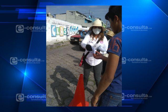 Refuerzan los filtros sanitarios en tianguis de los martes en Santa Cruz Tlaxcala
