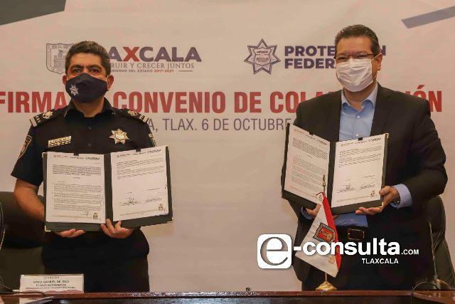 Marco Mena y Manuel Espino firman convenio para otorgar mil 500 empleos