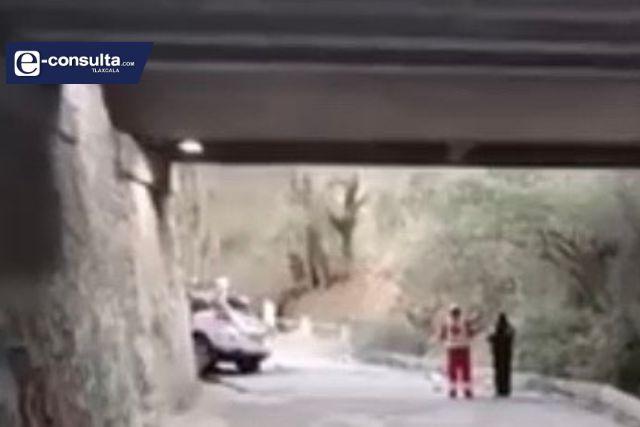Cae del puente y muere en carretera Tlaxcala- Apizaco