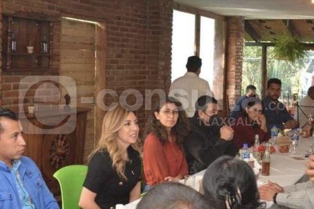 Alcaldes lambiscones se reúnen con Dulce Silva