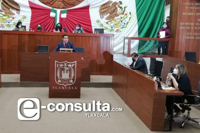 Víctor Báez sale corriendo de la sesión, no toleró el discurso de Omar Milton