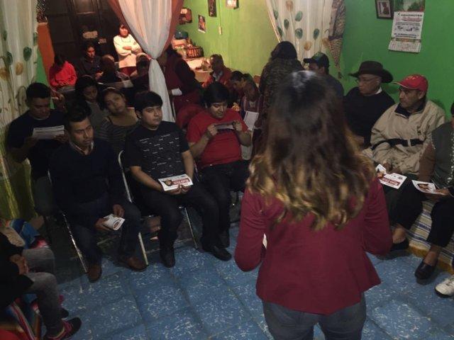 Pobladores de Santa Cruz Guadalupe aceptan proyecto de María Félix Pluma Flores