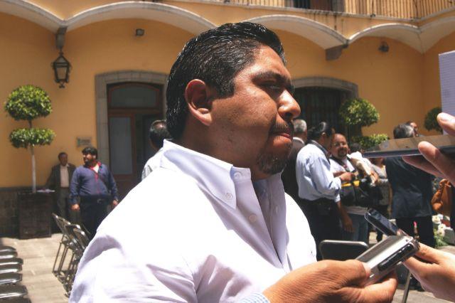 Ex presidente cachondo de Panotla basificó a dos de sus hermanos en Zacatelco