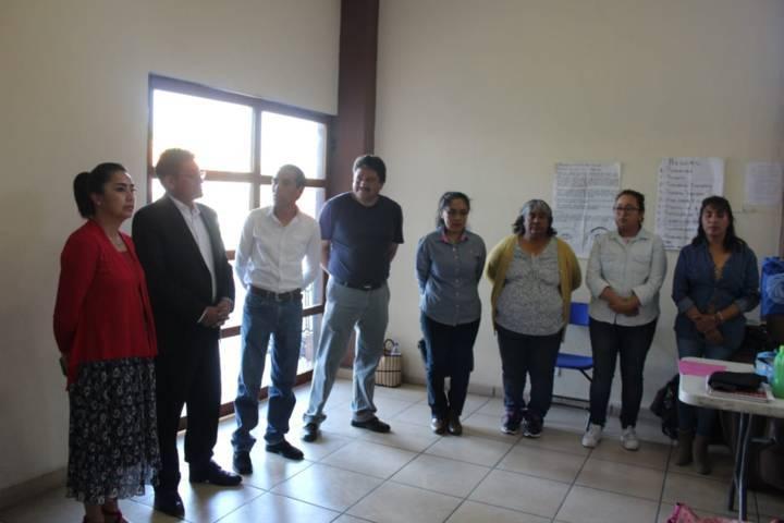 Valencia Muñoz puso en marcha los cursos del ICATLAX