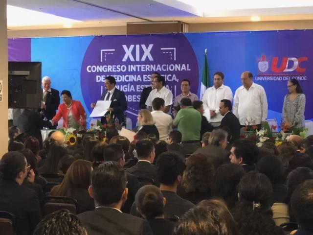 Presente Martha Palafox  en Congreso Internacional de medicina estética en Veracruz