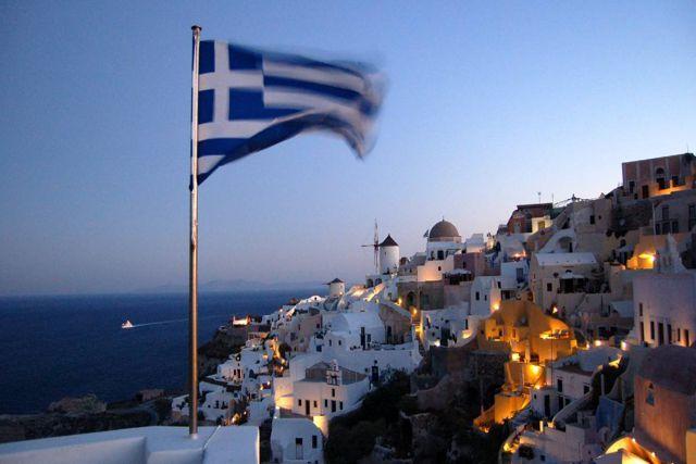 Darán dinero en Grecia a jóvenes que se vacunen contra el Covid-19
