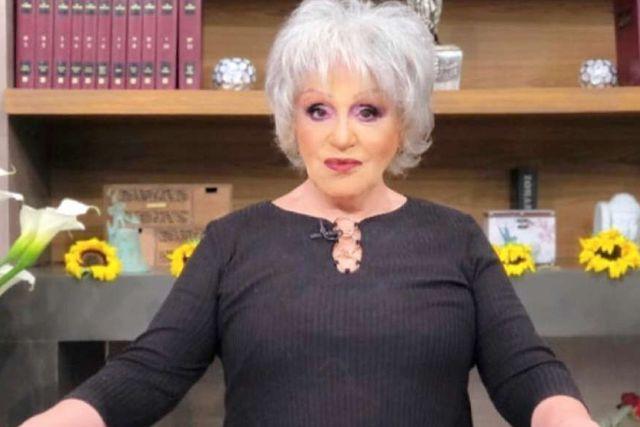 Se burlan de Anel Noreña por quitarse la peluca en televisión abierta