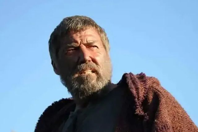 Fallece el actor Mike Mitchell a sus 65 años, en papeles como el Gladiador y Corazón Valiente