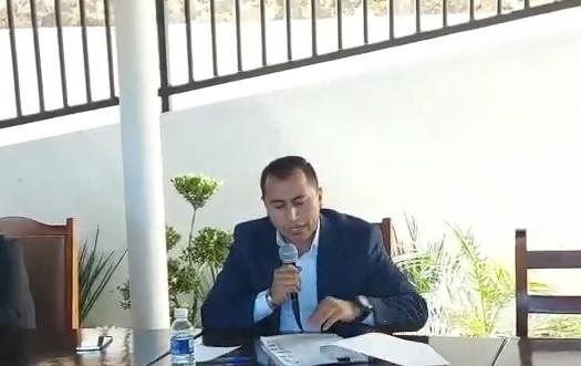 Edil de Xicohtzinco entrega al Ejecutivo procesos legales a la gobernadora de Tlaxcala