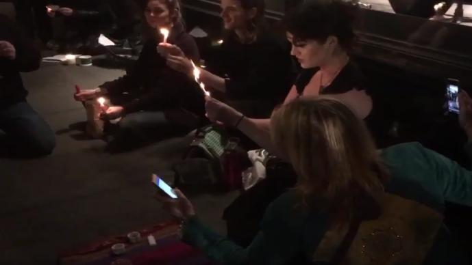 Brujas de todo el mundo se unen para hechizar a Trump