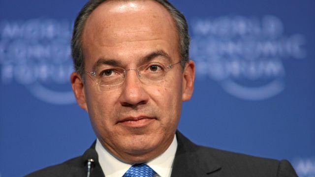 Felipe Calderón reveló que se vio obligado a portar un arma de fuego al dejarlo sin seguridad