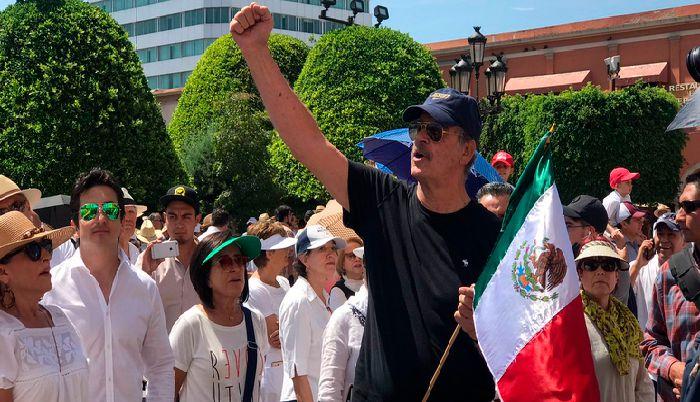 Vicente Fox pide a sus simpatizantes a una marcha contra AMLO