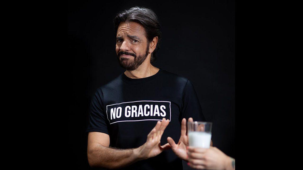 Campaña de Eugenio Derbez contra la leche provoca burlas y controversia