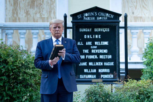 Trump se lleva gran sorpresa al visitar la iglesia de los presidentes