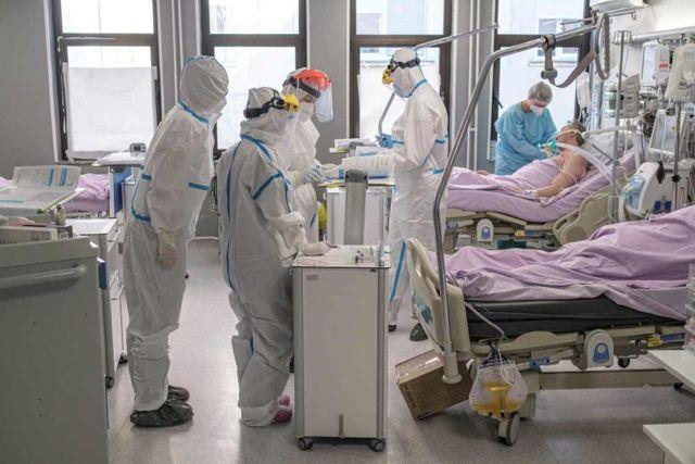 Médico que atiende a pacientes de Covid le roban 5 quincenas de trabajo