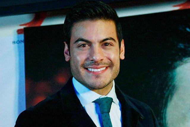 Carlos Rivera revela que su padre fué hospitalizado por Covid-19