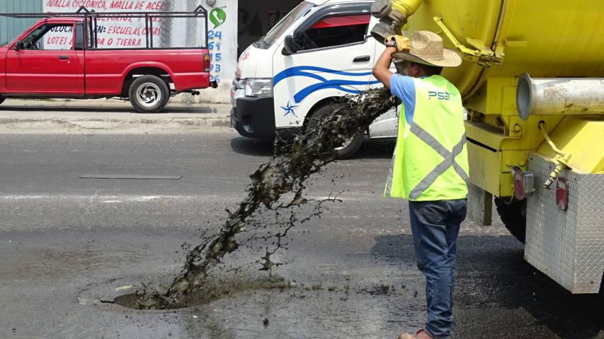 Ayuntamiento realizan trabajos de desazolve para prevenir inundaciones