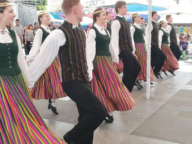 Estrecha lazos culturales Xicotzinco con Letonia