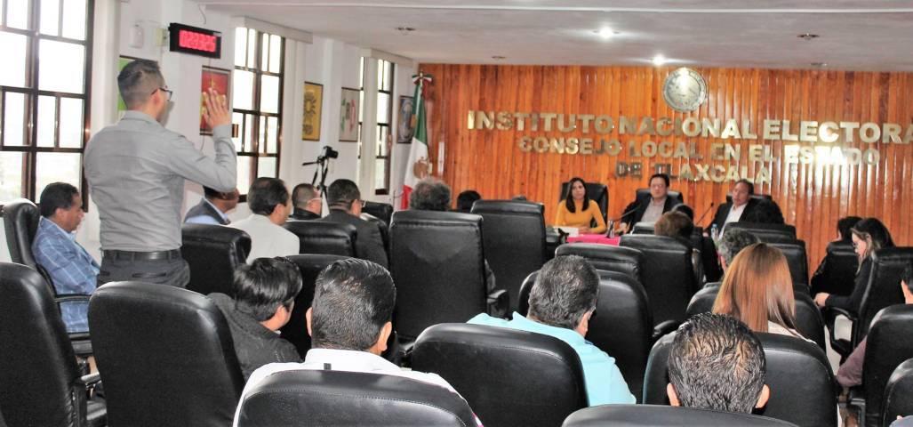 Sostiene director del SPEN reunión de trabajo con miembros del INE-OPLE