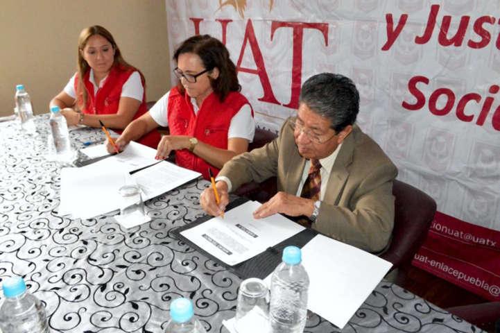 Firman convenio de colaboración Fundación UAT y Orden de Malta