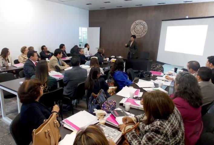 """Imparten en el TSJE conferencia """"Violencia Política de Género"""""""