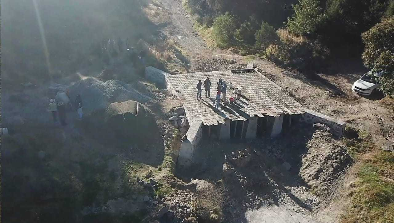 Alcalde Rivera Mora construye alcantarilla que interconectará Tzompantepec con Coaxomulco