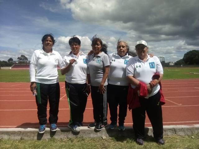 Adultos mayores obtienen 1 medalla de plata y 2 de bronce en la Tarasca