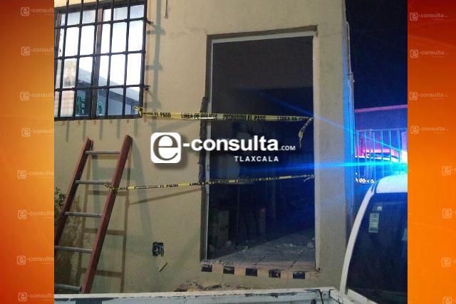 Guardias de seguridad se emborrachan y los obligan a abrir cajeros de la CFE en Apizaco