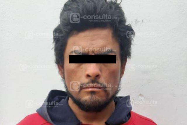 Capturan oficiales de la PGJ a sujeto armado y con droga en Calpulalpan