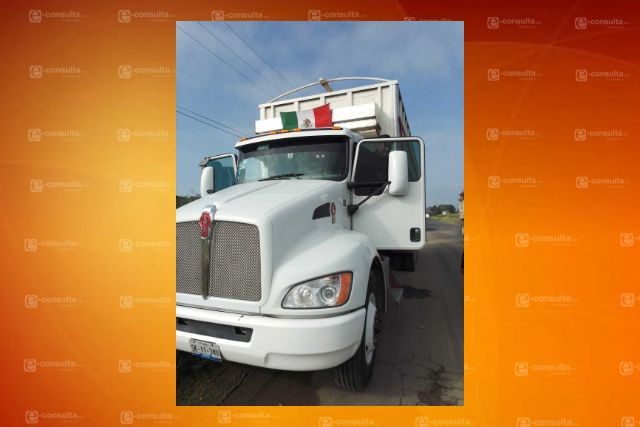 Policía de Tepetitla recupera camión con reporte de robo