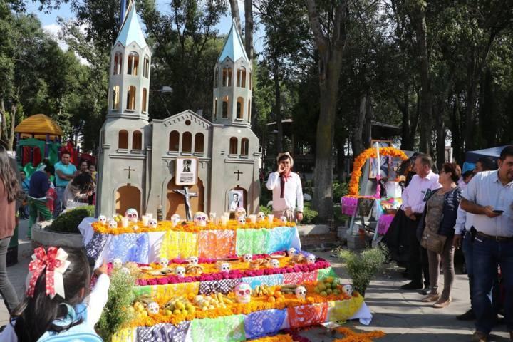 Gran ambiente durante Segundo Festival de Día de Muertos en Apizaco