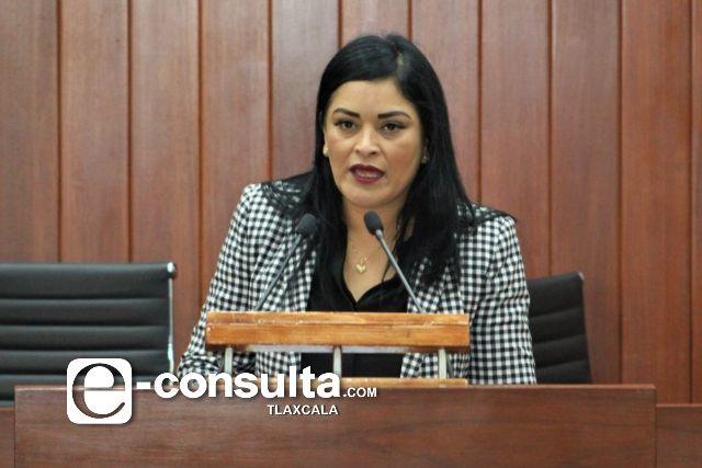 Isabel Casas a la Mesa Directiva, diputados agarran de mandadero a Covarrubias